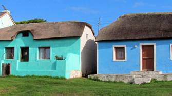 The colourful cottages of Elim